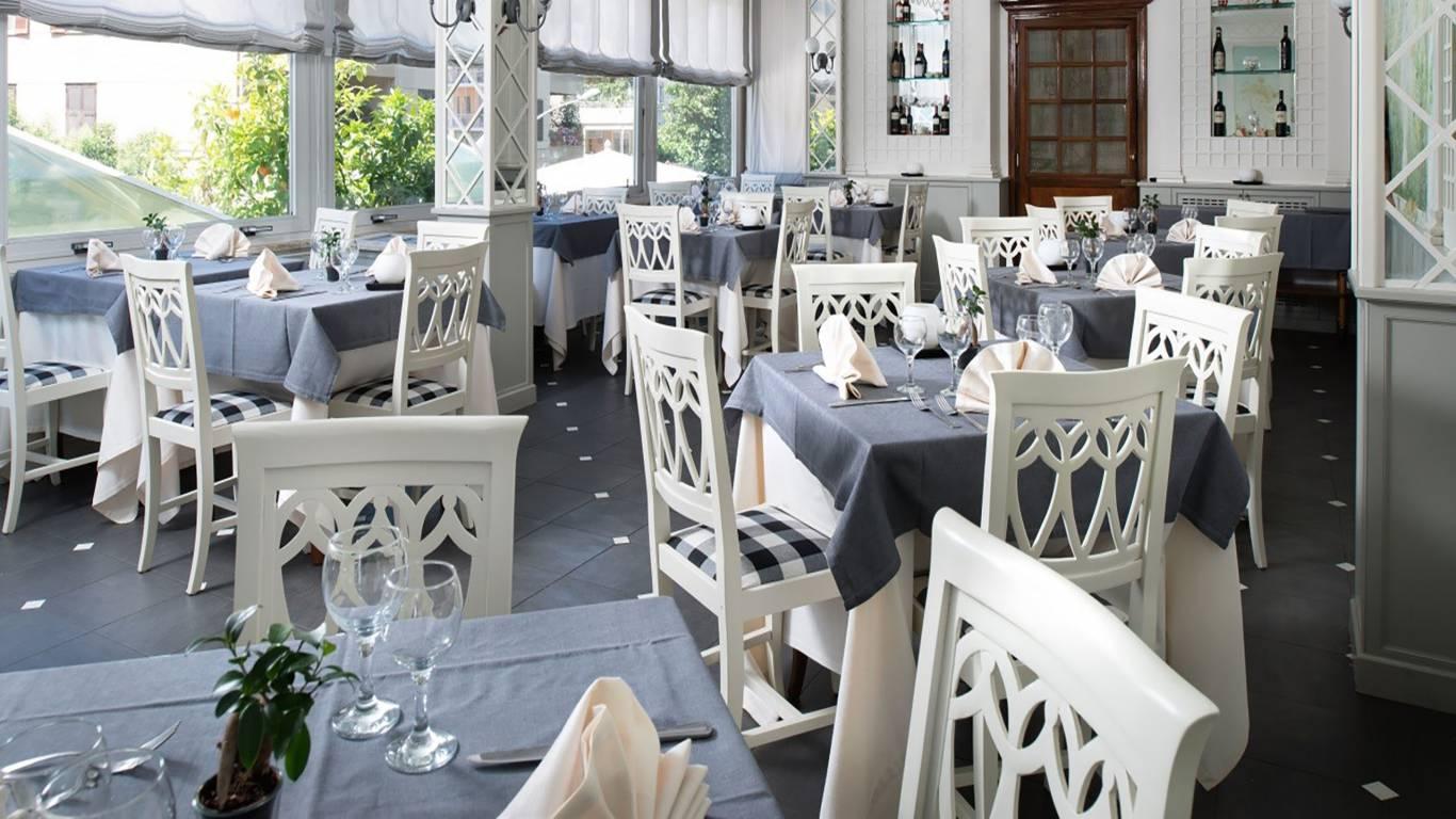 hotel-degli-aranci-roma-sala-meeting-5